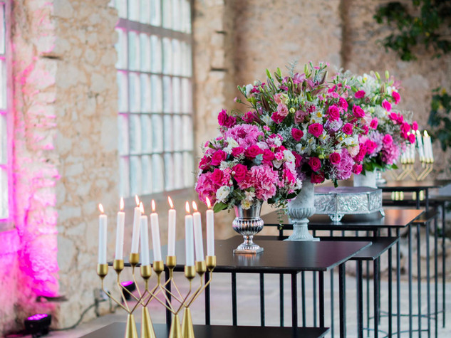 Greenery and Pink Flower Arragements at Forte da Cruz Beach Castle Portugal
