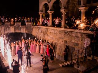 Forte da Cruz Beach Castle Wedding Venue - The Wedding Cake Outdoors in Portugal