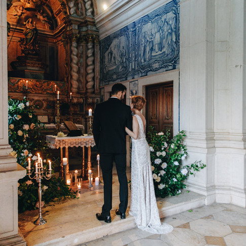 Chapel with portuguese tiles for wedding ceremony at Quinta do Torneiro in Lisbon, Portugal