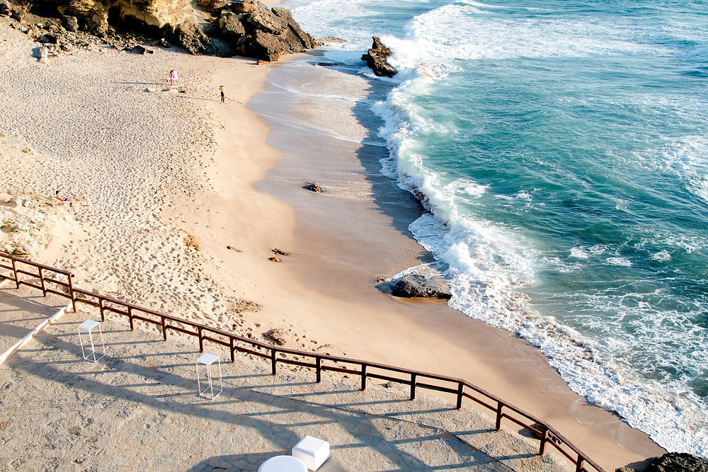 Arriba By The Sea Beach Wedding Venue, is an oceanfront Wedding, Meeting and Event Venue in Portugal in the beautiful coast of Cascais, just 30 minutes away from Lisbon city centre, PortugalArriba By The Sea has easy acsses to the beach