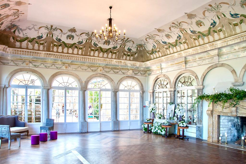 An amazing and iluminated wedding room called Old Brielle Room at Casa dos Penedos in Sintra Portugal