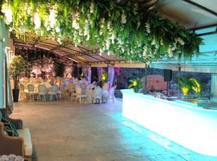 Bar iluminado para festa e eventos da Quinta do Torneiro