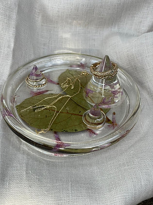 Jewellery dish with ring holder   Lucy Stephan
