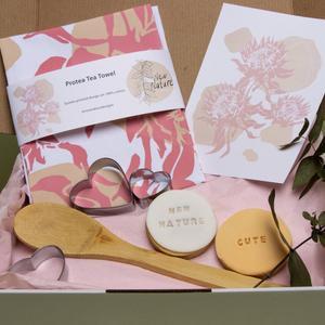 Protea Tea Towel Hamper | New Nature Designs