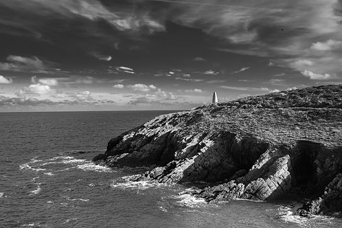THE HARBOUR BEACON, PORTHGAIN MONO