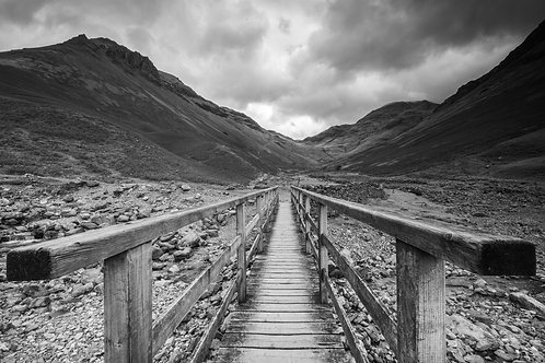 BRIDGE OVER GABLE BECK i MONO