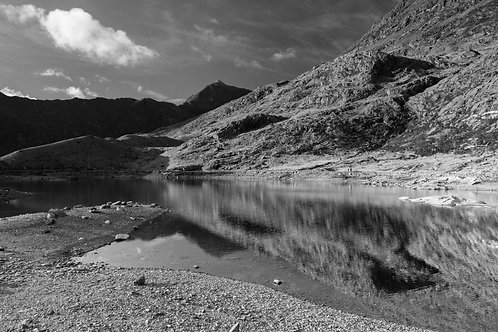 GUARDIAN OF LLYN LLYDAW MONO