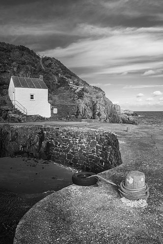 HARBOUR COTTAGE PORTHGAIN ii MONO