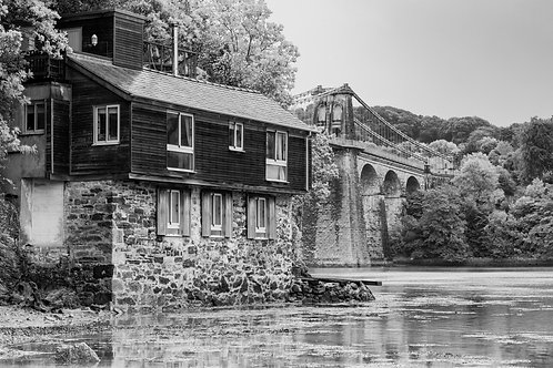 THE OLD WATERSIDE COTTAGE MONO
