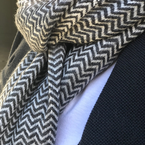 Cashmere scarf chevron grey