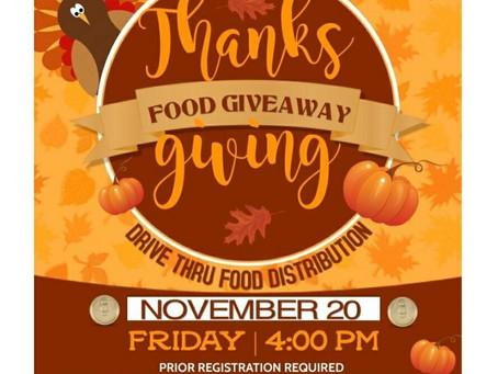 Community Thanksgiving Food Giveaway/ Sorteo de comida de la comunidad de Acción de Gracias