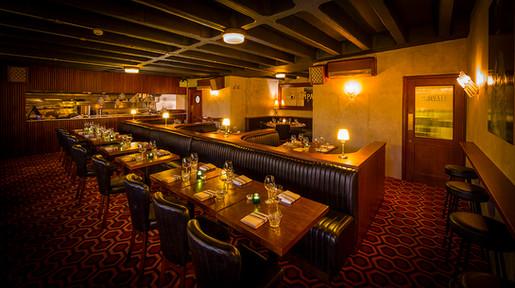 Restaurant interior Luna.jpg