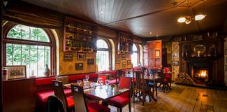 Irish bar photography.jpg
