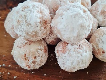 Snow Ball Cookies mit Rainbow Pancake Mix