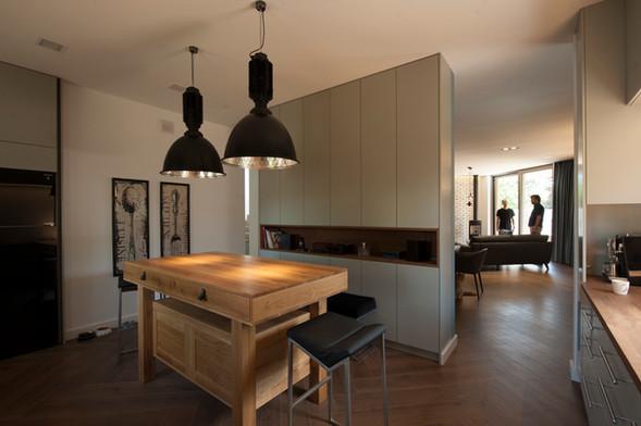 Interior-T  kuchnia z wyspą