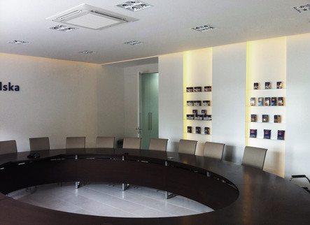 Office-O owalny stół konferencyjny