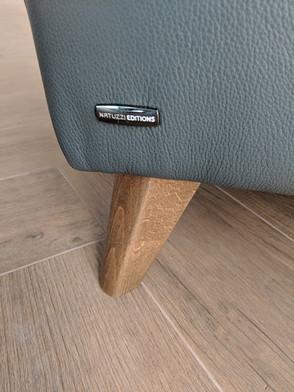 Interior-T detal sofy