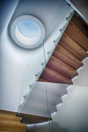 Interior-T schody i świetlik