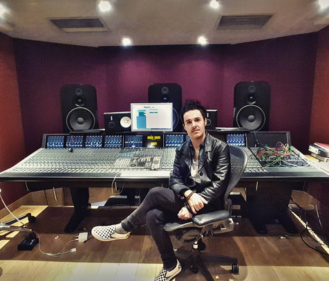 James Kennedy, Singer, Songwriter, Producer, Kyshera, Konic Records,  UK, Wales, music, rock, band, alternative, modern world, studio,