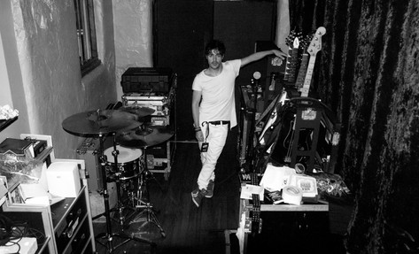 James Kennedy, Singer, Songwriter, Producer, Kyshera, Konic Records,  UK, Wales, music, rock, band, alternative, backstage, guitars, london