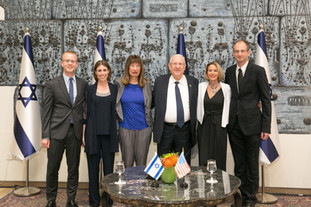 Moran at the historical signing of cooperation between the Israel National Academy of Sciences and H