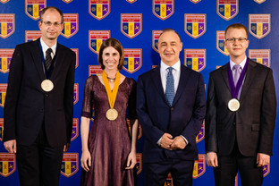 Moran receives the Blavatnik Award in a ceremony in Jerusalem