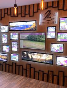 Mur d'écran pour agence immobilière