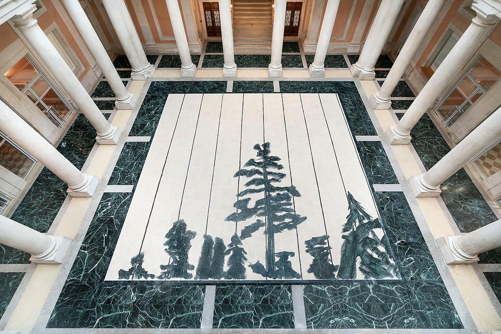 Schwarzheide, 2019 ( secondo l'olio su tela eponima del 1986 ), mosaico in marmo, 960 x 960 cm - Fantini Mosaici, Milano Instlallation view Photo credits: Palazzo Grassi, photo by Matteo De Fina