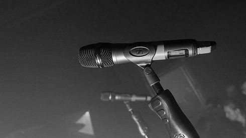 wireless-mic-2.jpg