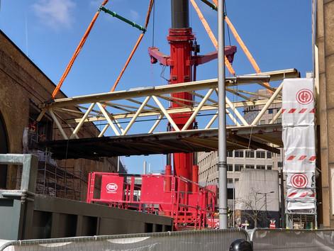 Tooley Street footbridge removed