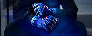 Reusch_GK21_Attrakt_2500px_Glove_Banner_04.jpeg