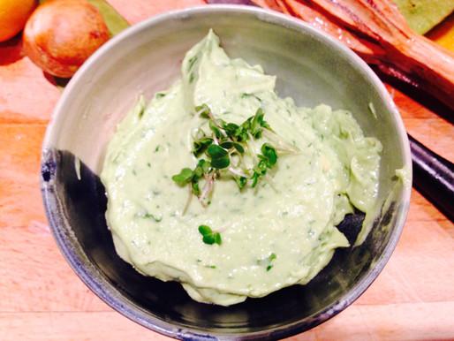 Creamy roast garlic avocado dip!