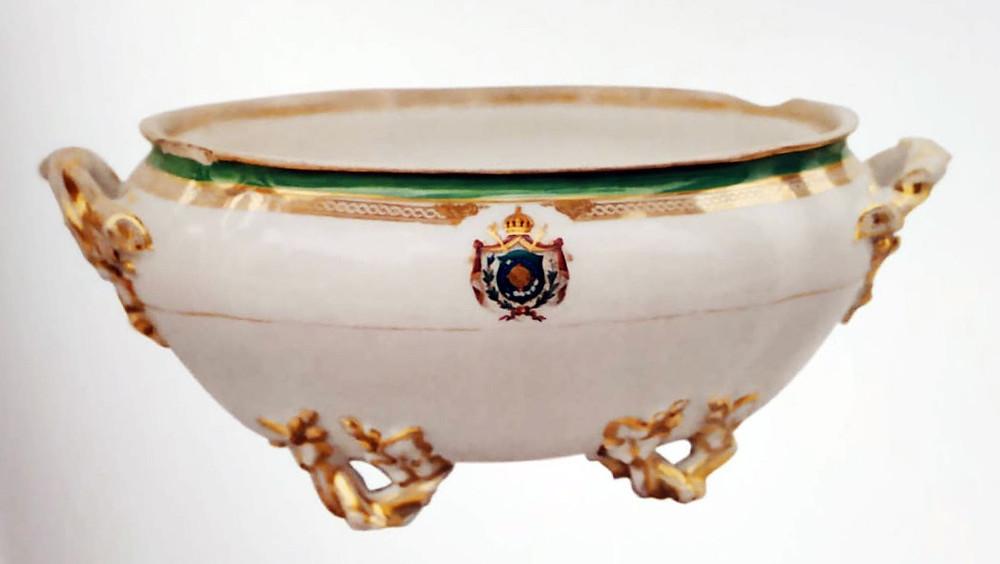 sopeira do serviço de D. Pedro II. Porcelana do Palácio de São Cristóvão. Acervo Museu Mariano Procópio.