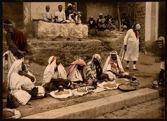 Vendedores de cuscuz e café. Tunísia, 1890.