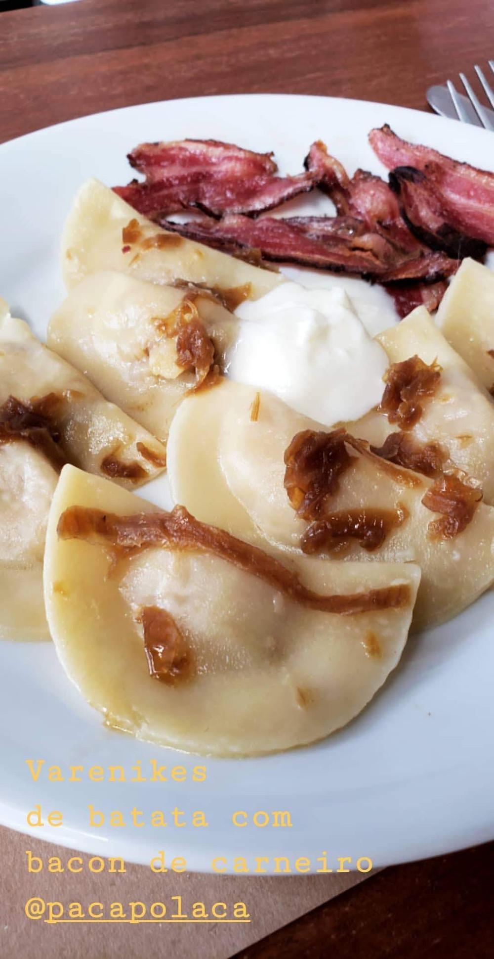 verenikes de batata com bacon de cordeiro do @pacapolaca