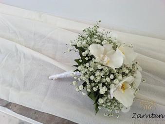 Νυφική ανθοδέσμη με γυψόφυλλο και φαλαινόψις