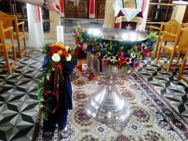 Διακόσμηση βάπτισης με ανεμώνες