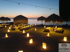 Διακόσμηση γάμου με χάρτινα φαναράκια στο Kaiki beach Spetses