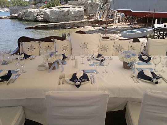 Βάπτιση με ορτανσίες στο Liotrivi restaurant Spetses