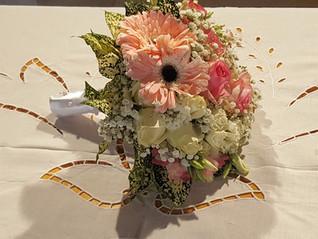 Νυφική ανθοδέσμη γάμου σε παλ χρωματα