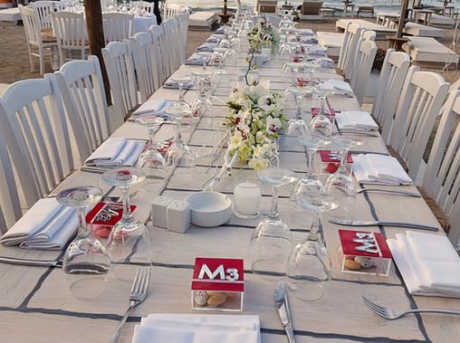 Νυφικό τραπέζι με φαλαινόψις