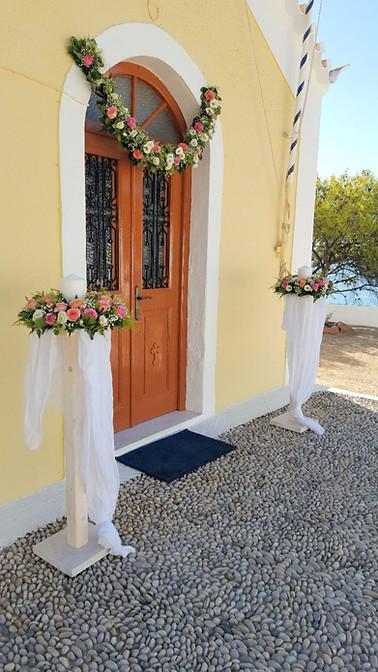 Λαμπάδες γάμου με λευκά και ροζ τριαντάφυλλα