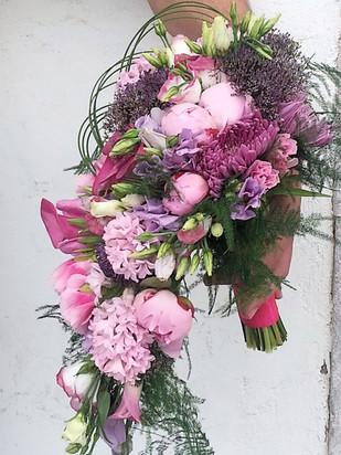 Νυφική ανθοδέσμη σε ροζ και φούξια χρωματισμούς