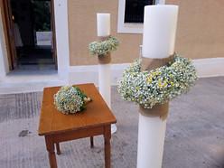 Λαμπάδες γάμου με χαμομήλι και γυψόφυλλο