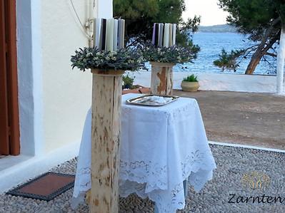 Λαμπάδες γάμου σε βάση με λεβάντα και χαμομήλι