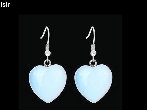 Boucle cœur en opal