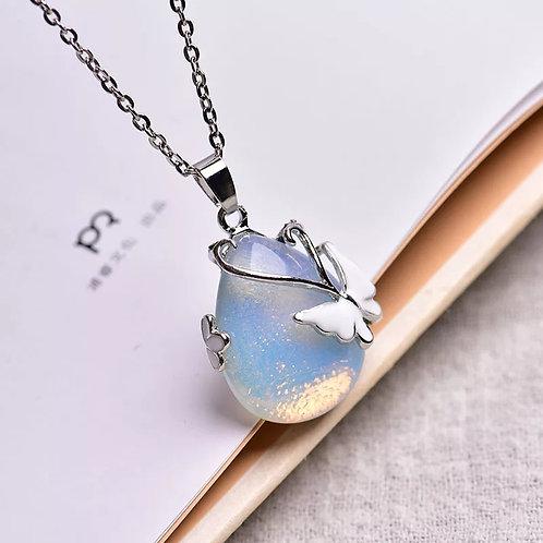 Collier papillon en opal