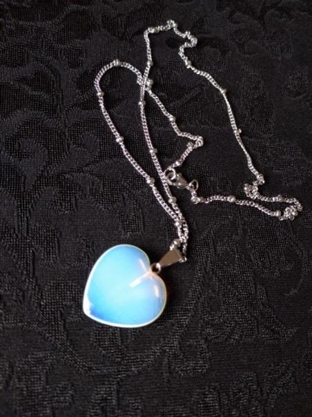 Collier cœur en opale