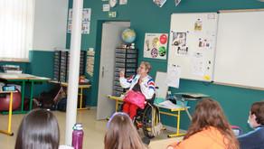 Rencontre entre Béatrice Hess et les élèves de CM2 du RPI de Koestlach/Moernach/Vieux-Ferrette