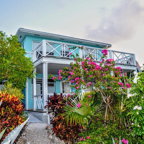 Halcyon, Minn's Cottages, Exuama, Bahamas